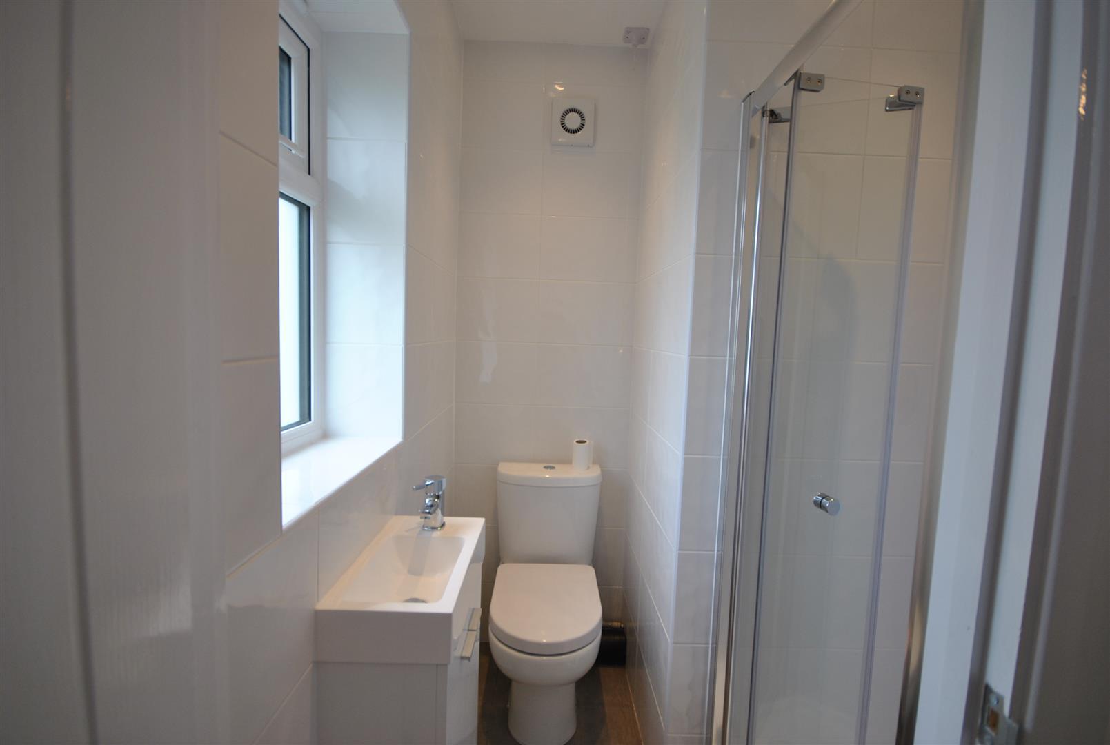 2 Bedrooms, Bungalow